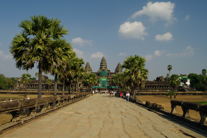 Looking at the towers of Angkor Wat from the causeway