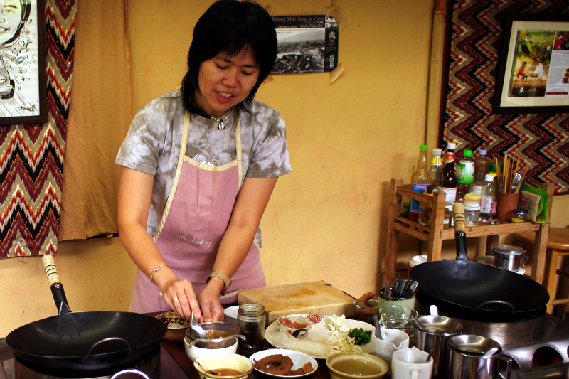 Yui from A lot of Thai showing how to make Tamarind paste for pad thai in Chiang Mai, Thailand