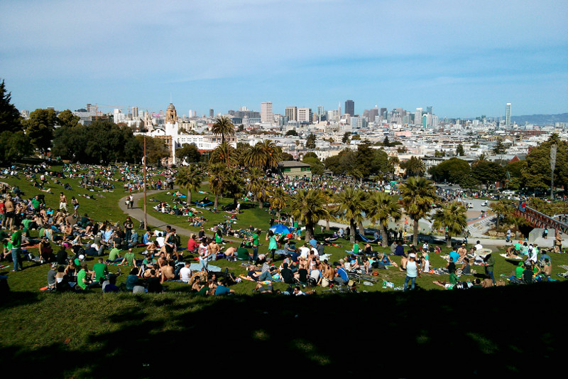 Dolores Park full of people