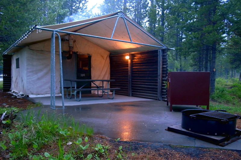 Colter bay village tent cabins colter bay tent cabins for Teton village cabins