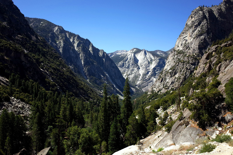 The Sphinx rock formation in Rae Lakes Loop in Kings Canyon National Park