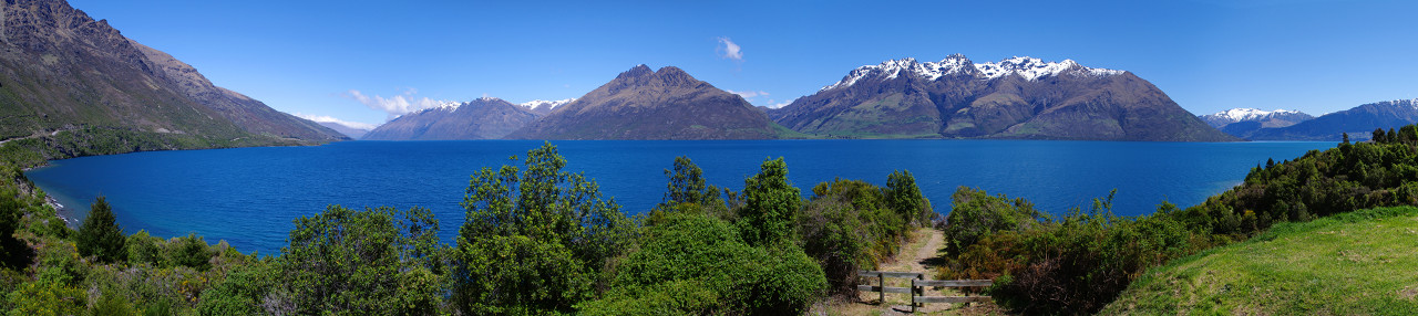 lake wakatipu panorama