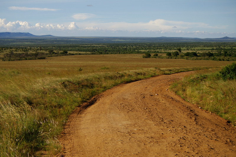 maasai mara kenya dirt road