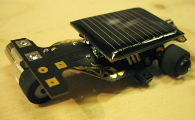 Maker Faire 2007: Thumb-sized solar car with circuit board flames