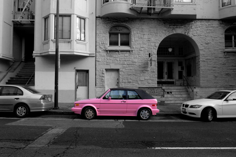 pink vw cabrio on pine street justinsomnia