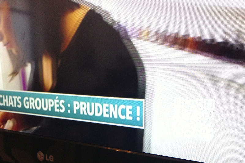 QR Code on TV in France on a white background