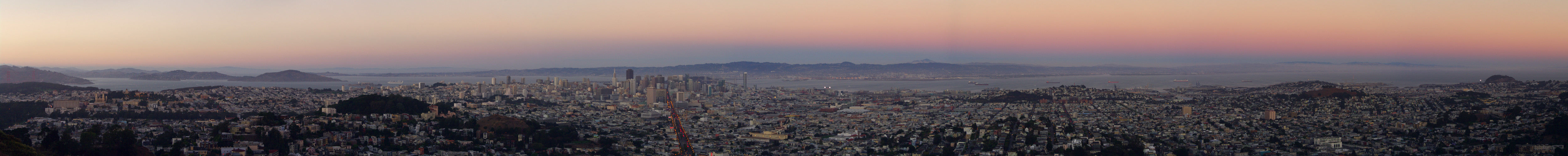 Twilight panorama of San Francisco from Twin Peaks