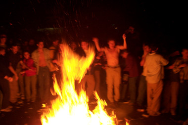 Bonfires in Franklin St, Chapel Hill, after UNC beats Duke, February 2001