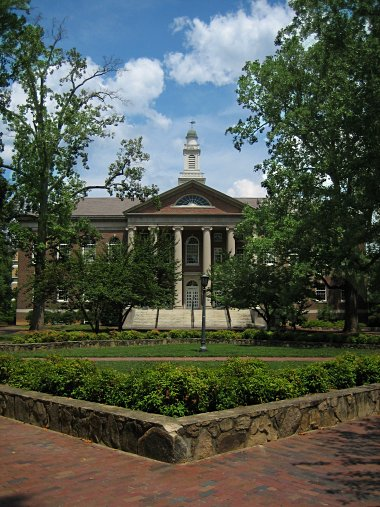 UNC Campus's Manning Hall, home of the School of Information and Library Science (SILS)