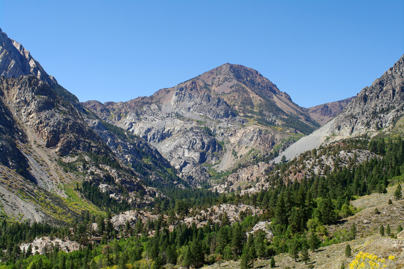 Looking back towards the Tioga Pass